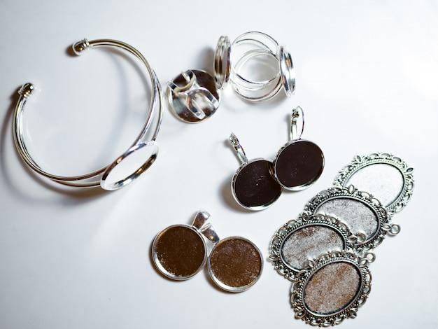 Akcesoria do tworzenia biżuterii