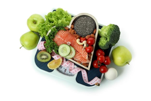 Akcesoria zdrowego odżywiania na białym tle