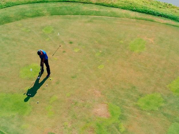 Aktywność rekreacyjna gracza w golfa