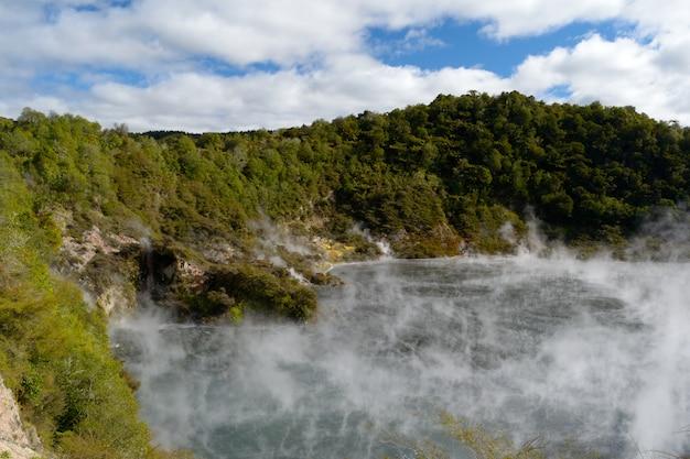 Aktywność wulkaniczna energii geotermalnej w nowej zelandii