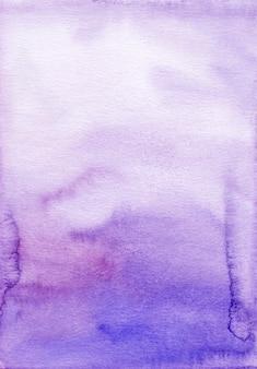 Akwarela fioletowe i białe tło tekstura. aquarelle fioletowe pociągnięcia pędzlem na tle papieru.