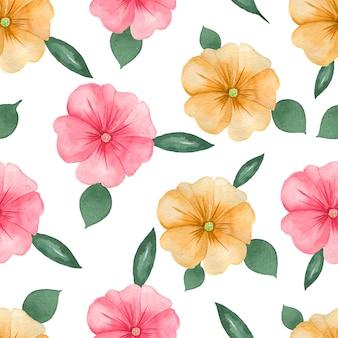 Akwarela kwiatowy wzór na białym tle bez szwu. ręcznie malowane różowe i pomarańczowe kwiaty i zielone liście.