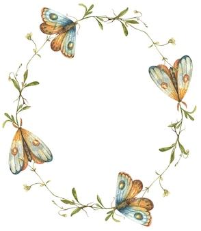 Akwarela wieniec z jasnymi polne kwiatami i ręcznie rysowanymi motylami i ćmami