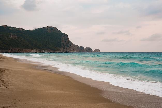 Alania costline z widokiem na morze