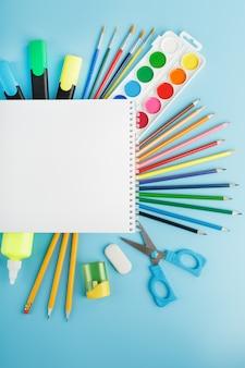 Album do rysowania i kreatywności dla szkoły