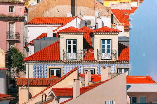 Alfama w słoneczne popołudnie, lizbona, portugalia