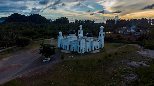 Alikhlas leupung wielki meczet aceh besar district aceh indonezja