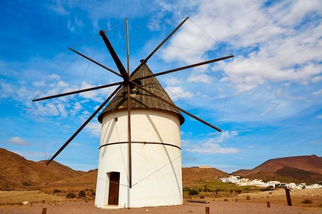 Almeria molino pozo de los frailes wiatrak hiszpania