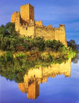 Almourol - zamek templariuszy, portugalia