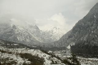 Alpejski widok, chmury