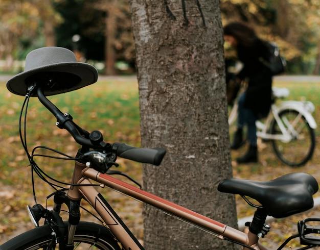 Alternatywny transport rowerowy w parku