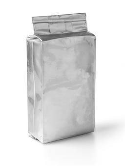Aluminiowa torba na białej powierzchni