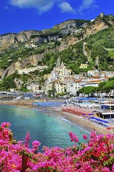 Amalfi, piękne nadmorskie miasteczko we włoszech