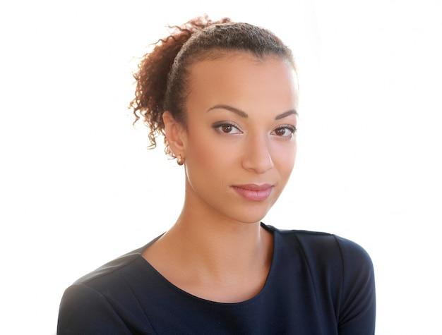 Amerykanin afrykańskiego pochodzenia odizolowywający portreta kobiety potomstwa
