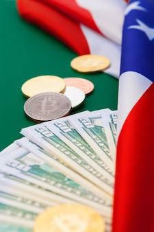 Amerykańska flaga i bitcoiny, nowa gospodarka