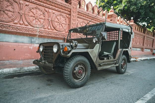 Amerykański samochód zabytkowy willys jeep