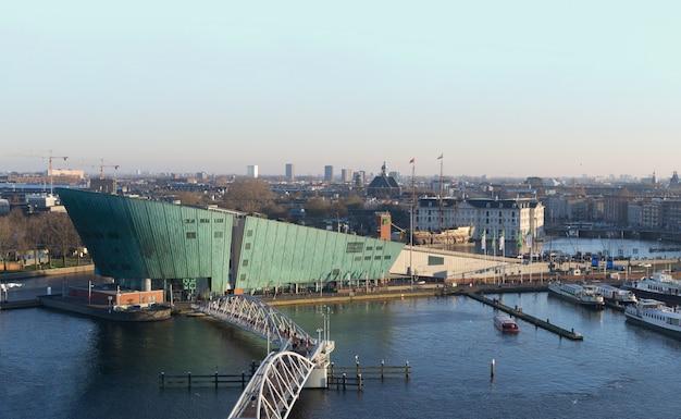 Amsterdam, niderlandy - widok z góry na panoramę miasta