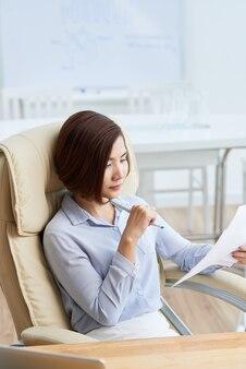 Analizowanie dokumentu biznesowego
