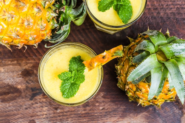 Ananasa smoothie