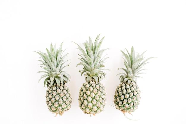 Ananasy. kreatywna koncepcja żywności