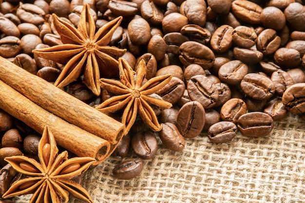 Anis, cynamon i ziarna kawy