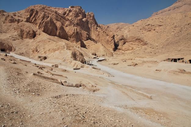 Antyczna nekropolia dolina królowe w luxor, egipt