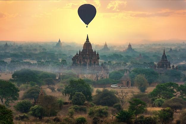 Antyczne świątynie w bagan, myanmar