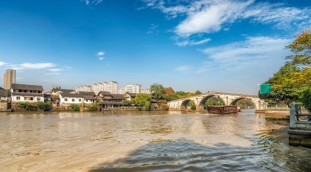 Antyczni budynki mieszkalni gongchen most w hangzhou, zhejiang prowincja