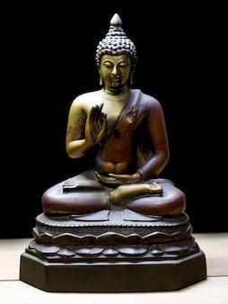 Antyczny posąg buddy