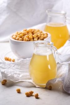 Aquafaba, wegetariański zdrowy produkt