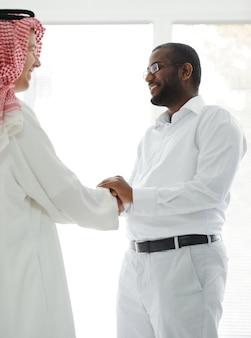 Arabscy i afroamerykańscy biznesmeni