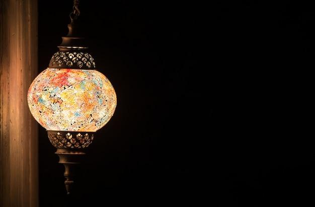 Arabska islamska lampa ścienna w stylu vintage