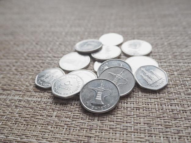 Arabskie monety dirhamów.