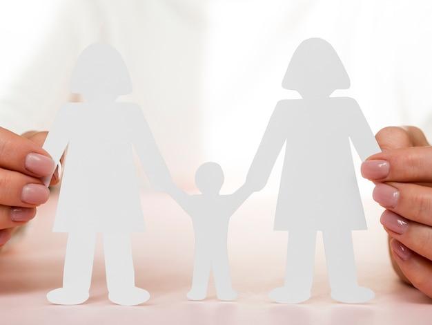 Aranżacja koncepcji rodziny lgbt z cieniami