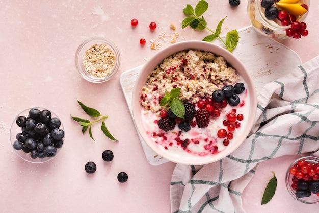 Aranżacja naturalnych zdrowych deserów