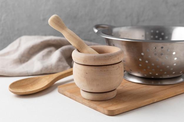 Aranżacja różnych przedmiotów kuchennych