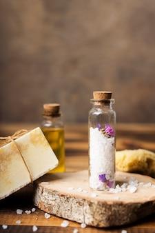Aranżacja za pomocą soli do kąpieli i mydła