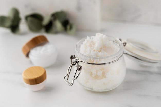 Aranżacja zabiegów upiększających masłem shea