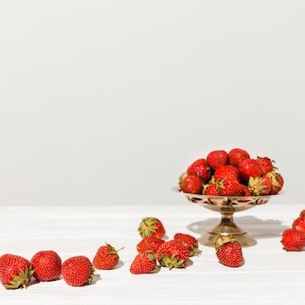 Aranżacja ze świeżych truskawek