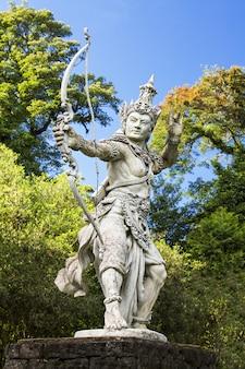 Archer rzeźby