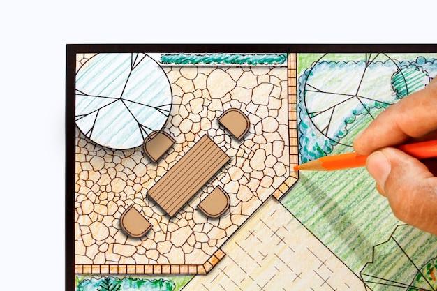 Architekt krajobrazu projekt patio w planie ogrodu przydomowego.