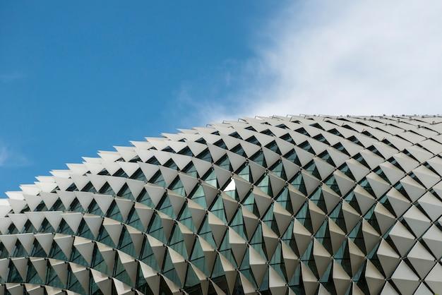 Architektoniczny dachowy szczegół esplanade teatry na zatoce w singapur