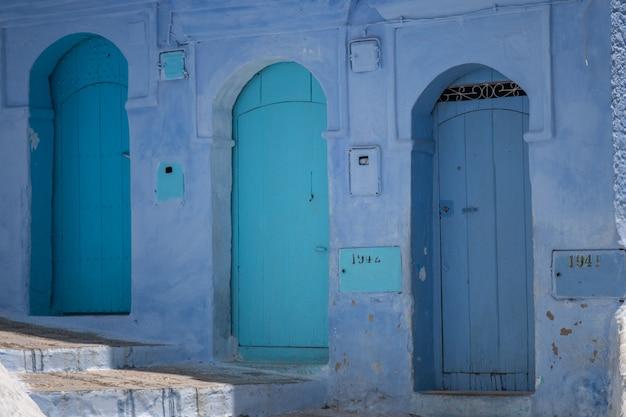 Architektura drzwi chefchaouen