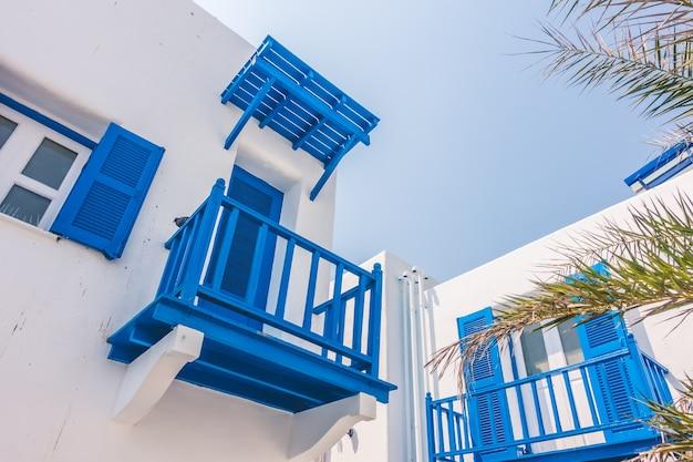Architektura piękne bugenwilli turystyka śródziemnomorski