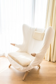 Archiwalne białej kanapie