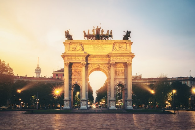 Arco della pace w mediolanie we włoszech
