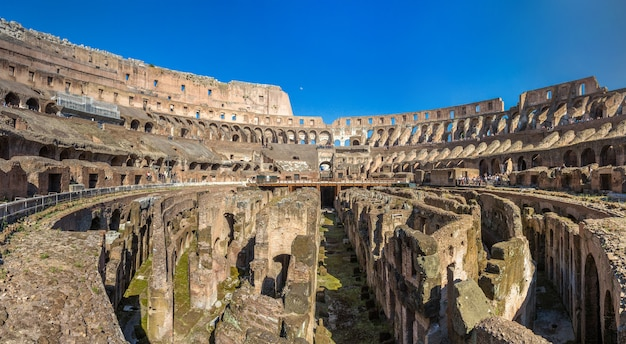 Arena amfiteatru flawiuszów w rzymie