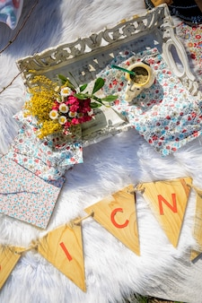 Argentyńska partnerka i kwiaty na pikniku