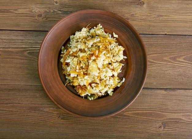 Arishta plov.pilau ryż i makaron. kuchnia azerbejdżanu