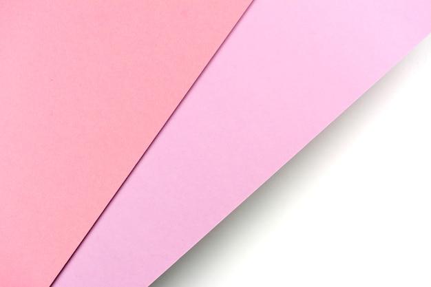 Arkusze papieru różowe, fioletowe, białe kolory pokryte cieniem